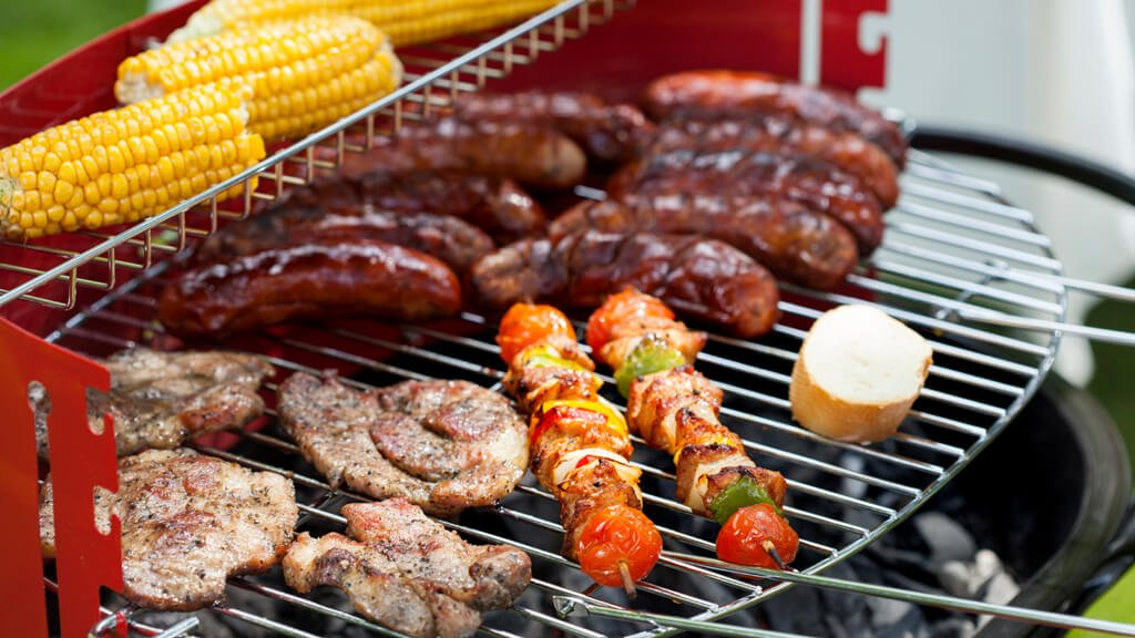 Bon Celebrate Memorial Day With A Fantastic Backyard Barbecue
